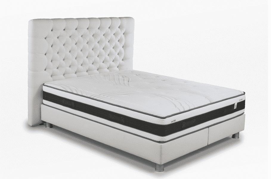 Photo du matelas Zenea Apogée sur un sommier avec tete de lit